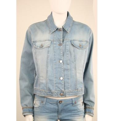 http://www.emporioeffe.it/1185-thickbox_default/giubbino-jeans-sportivo-.jpg