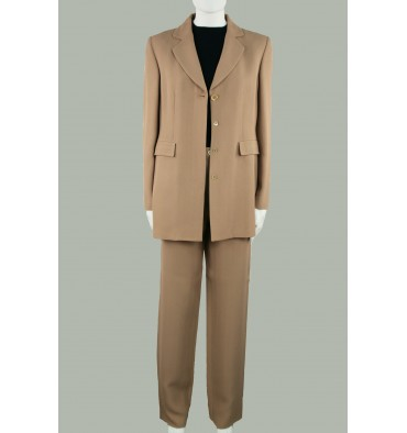 http://www.emporioeffe.it/2001-thickbox_default/completo-donna-con-pantaloni-beige-scuro-estivo.jpg