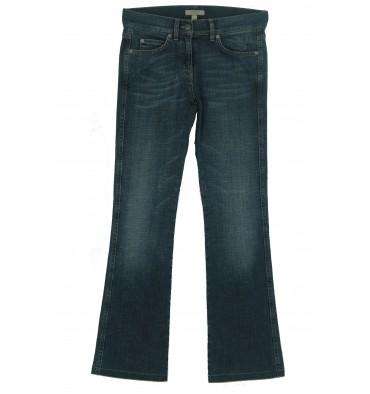http://www.emporioeffe.it/751-thickbox_default/jeans-marca-stampata-tasca-destra-dietro-cinque-tasche-.jpg